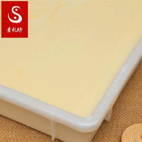 水豆腐又可以分成南豆腐、北豆腐和内酯豆腐